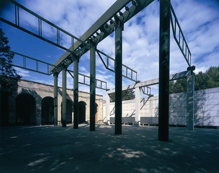 Stazione Leopolda_ piazzale esterno